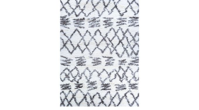 Saltby White 6'6 x 9'6 Rug