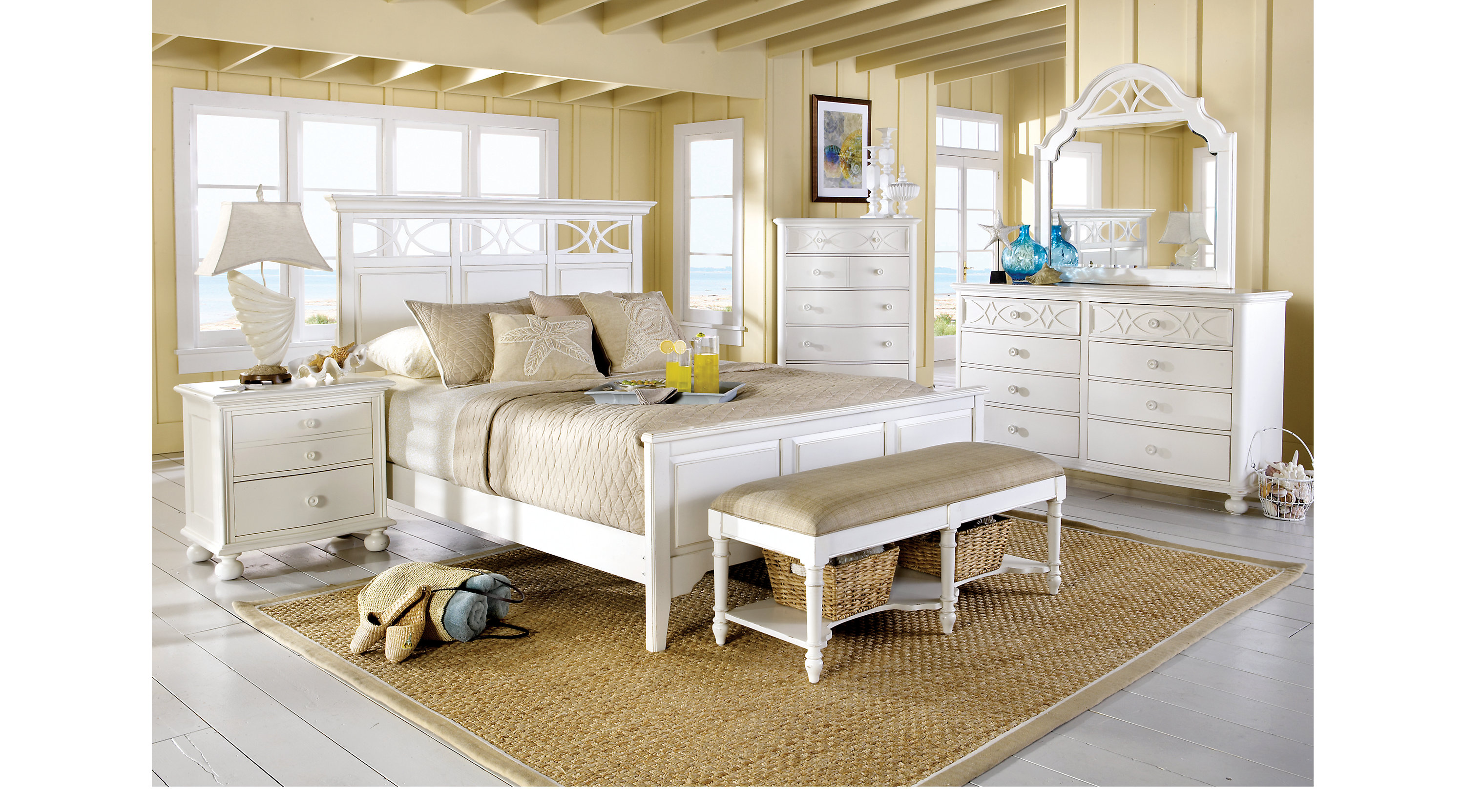 Cindy Crawford Home Seaside White 5 Pc King Panel Bedroom (Lattice Dresser)