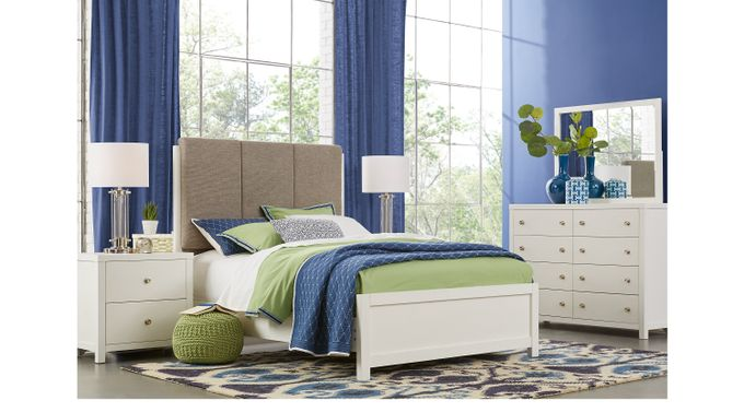 Barringer Place White 8 Pc Queen Upholstered Bedroom - Contemporary