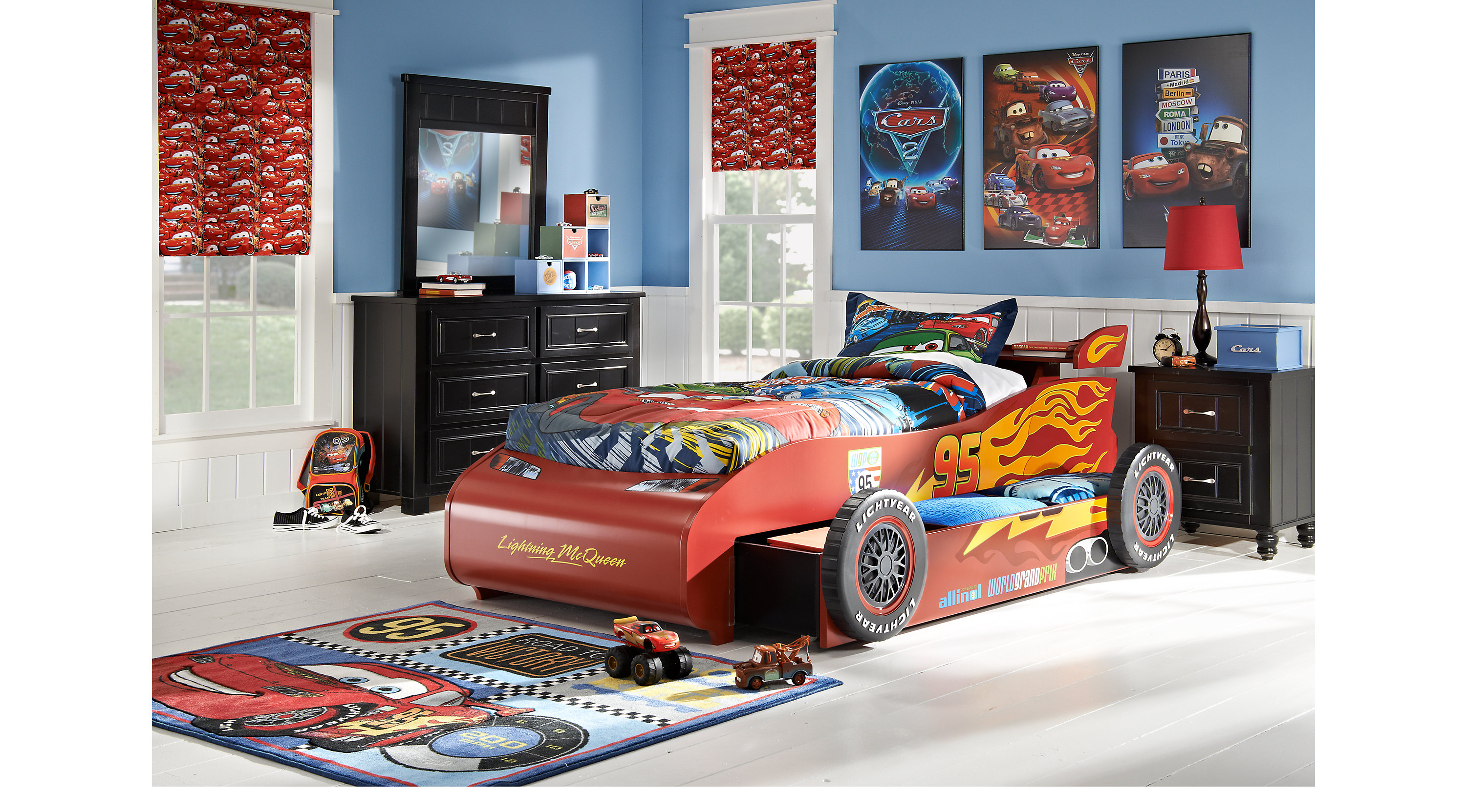 disney cars lightning mcqueen black 8 pc bedroom. Black Bedroom Furniture Sets. Home Design Ideas