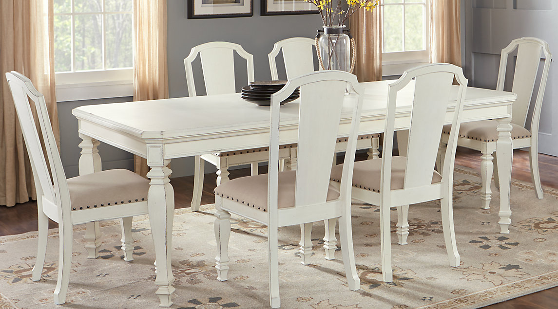 Picture of the Le Chateau dining room set