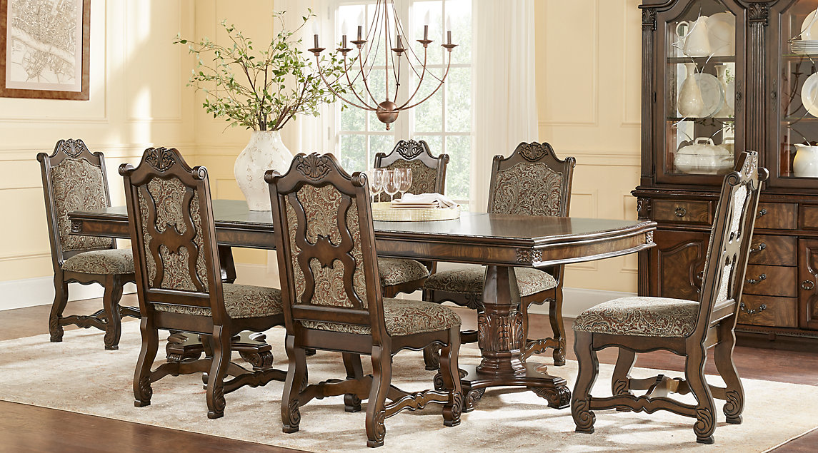 picture of the Carpathian dining room set