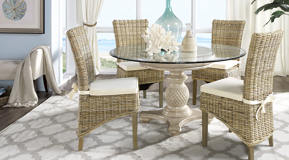 picture of the Cindy Crawford Home Key West dining room set