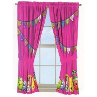 Picture of a Shopkins themed window curtain.